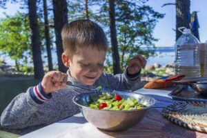how-to-encourage-children-to-eat-healthy-food